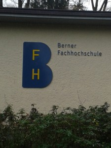 Deutsche Handarbeit beim Berner Elevator Pitch in der Berner Fachhochschule